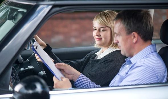 The features of Driver Instructor   YlooDrive